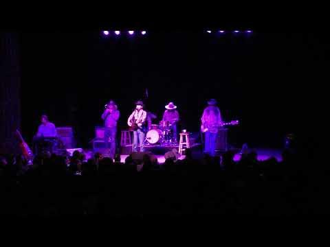 Colter Wall - Thirteen Silver Dollars - Live at Variety Playhouse Atlanta, GA