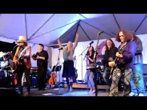 Slambovians sing 'Alice in Space' at Falcon Ridge 2016