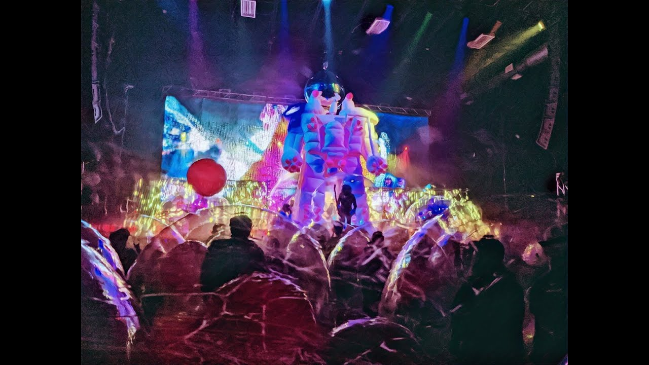 The Flaming Lips - The Worlds First Space Bubble Concert - 012221 [MIRROR]