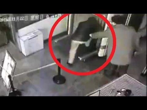 Jason King - WATCH: Kid Climbs Into Airport X-Ray Machine