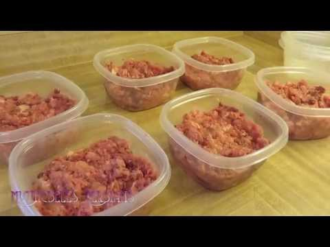 15 09 25 Mythicbells Persians made up a batch of raw cat food today