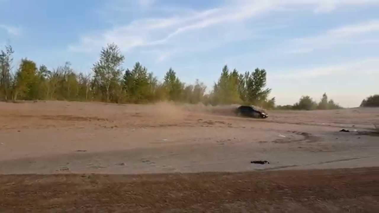 Инфинити fx45 по песку