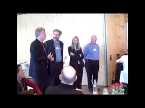 Francis Collins speaks with 23andMe's Linda Avey i...