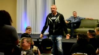 6 Year Old Pins WWE Legend Diamond Dallas Page at Nickel City Con Q and A