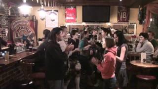 Уроки ирландских танцев в Джонни Грин Паб