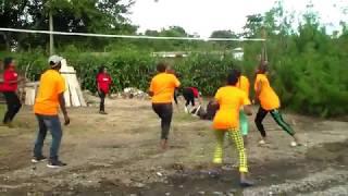 Wasichana Tanzania Wakifurahi Maisha - Tanzanian Girls  Having Fun Doc Jay Group