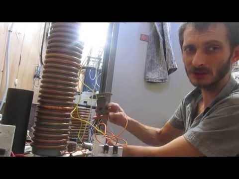 видео: вращение мотора от качера