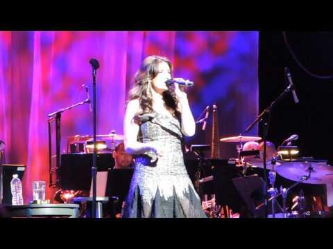 Idina Menzel - Brave (New York City 06/16/14)
