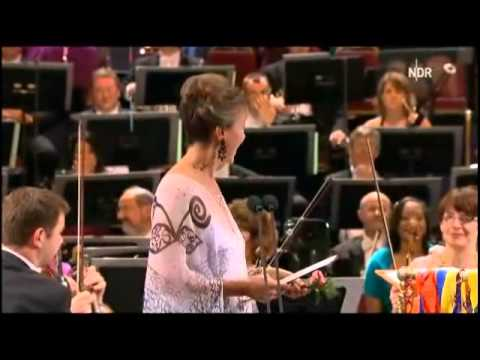 "Britten ""The Young Person's Guide to the Orchestra"" Part 1 * BBC Proms 2011"