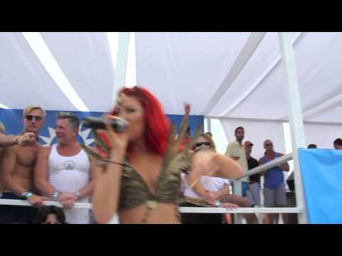 """Neon Hitch Performs """"I Can Love You Betta"""" at Ascension"""