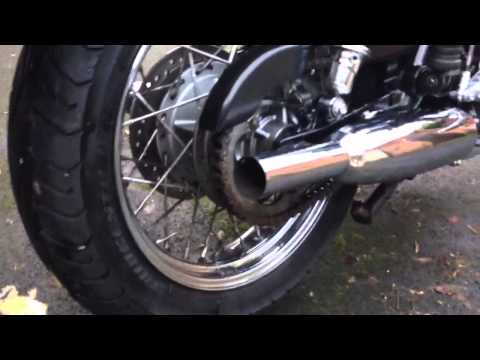 2004 Triumph Bonneville T100 with Dunstall Exhausts