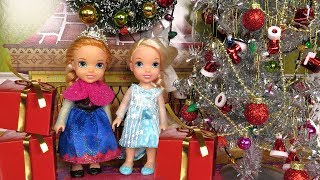 Christmas ! Elsa and Anna toddlers - Santa  gifts - Tree decoration