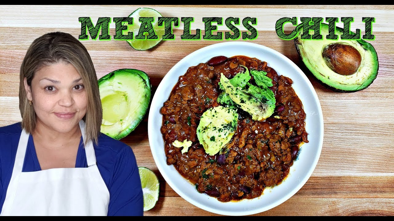 Meatless Chili Recipe Beyond Meat Taste Test Simply Mama Cooks Youtube