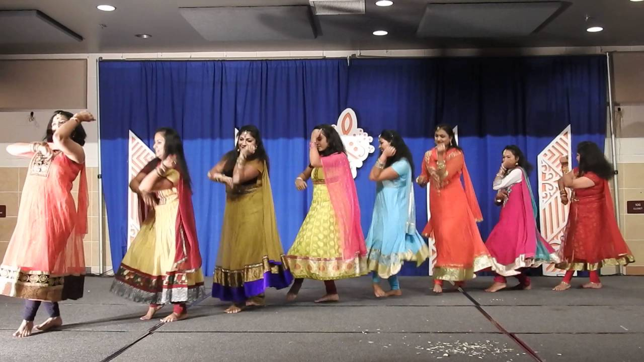 What are a few female solo dance songs in Hindi for stage performances? (latest ) - Quora