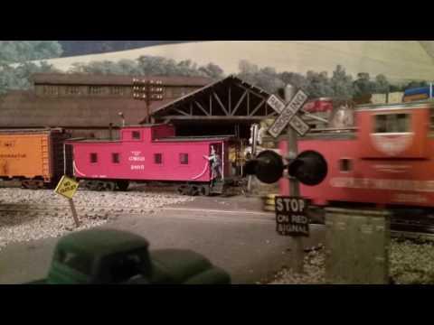 gulf mobile & ohio ho scale freight train,  Jackson Tennessee
