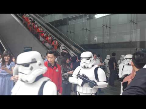 Star Wars: Stormtroopers and fighter pilots at Changi Airport