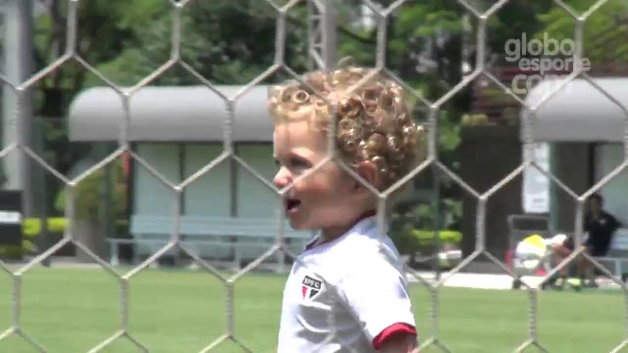 || FUTEBOL || Canhoto, filho de PH Ganso chama atenção em treino do São Paulo na Barra Funda