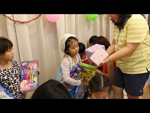 N'Prim W259 เด็กจิ๋ว@ปาร์ตี้วันเกิด 5 ขวบ ตอนแกะของขวัญ 1