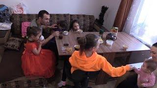 Семью с 5 детьми суд выгнал из дома