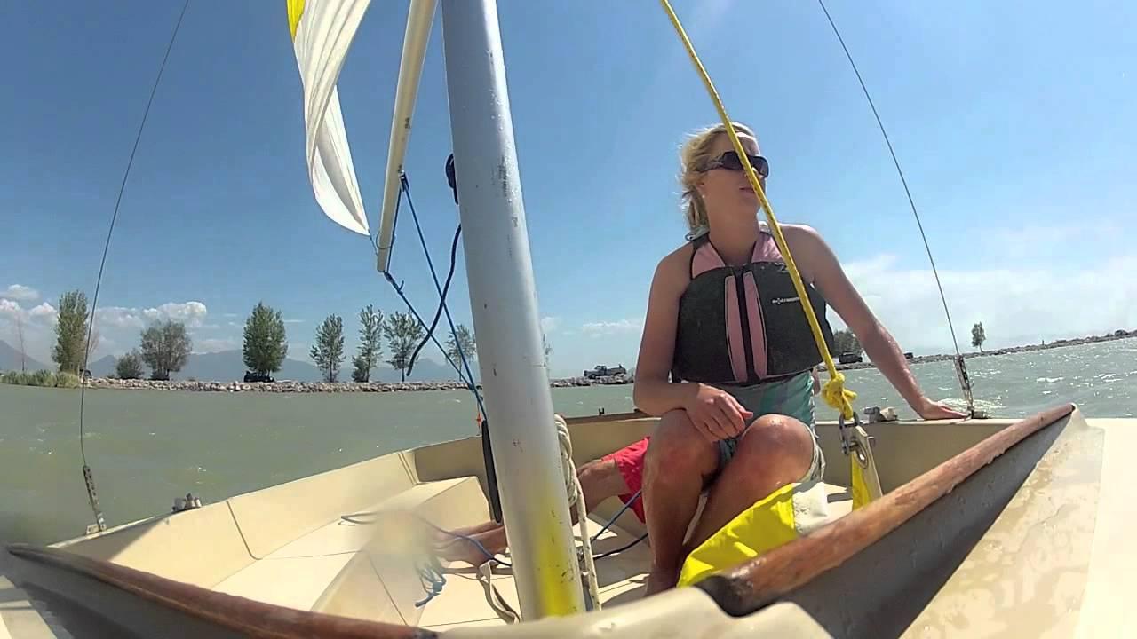 Hobie Holder 14 Sailing - YouTube