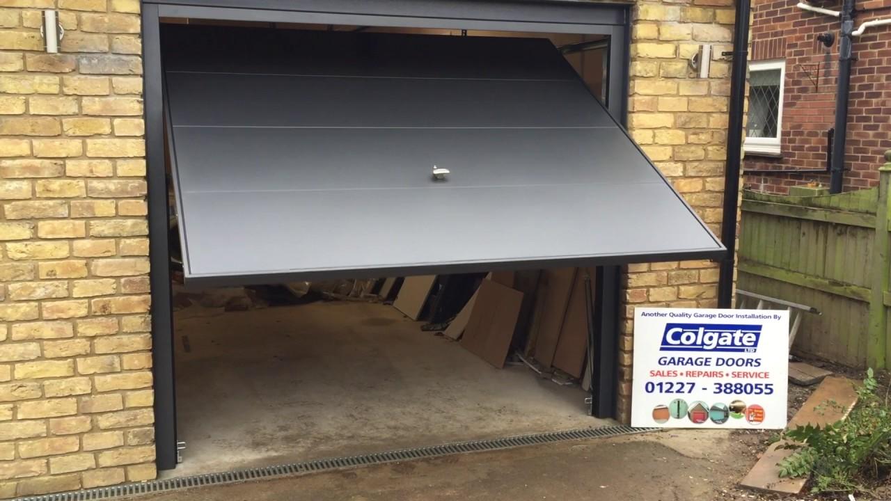 Electric garador framed retractable youtube electric garador framed retractable colgate garage doors ltd rubansaba