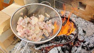 にんにくネギ油で燃え盛る炎を纏え!若鶏の黒焼きが最強に美味い!!