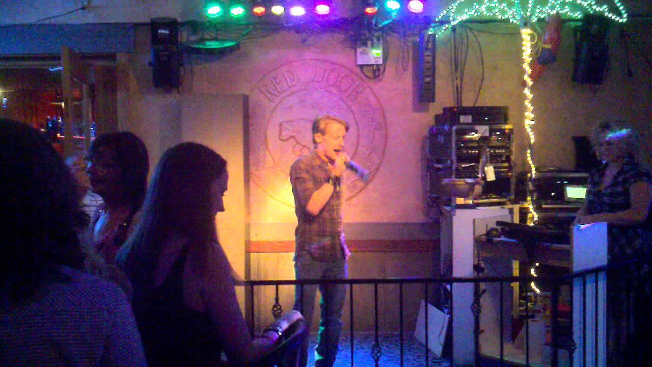 Red Door Karaoke Macaulay Culkin Kills It Singing My Way Youtube
