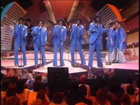 The Spinners  Rubberband Man, on Midnight Special in 1976