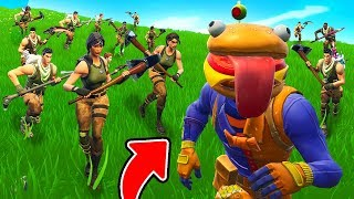 100 Default Skin HORDE Vs. Pro! [Scary]