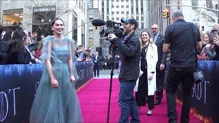 Download GAME OF THRONES Cast Visits the Fan Zone at the NYC Final Season Premiere Mp3 and Videos