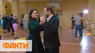 Танго-терапия. В столице ветеран АТО дает бесплатные уроки танцев