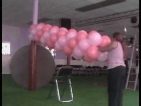 Decoracion con globos arco de entrada youtube for Como hacer decoracion con globos