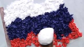 Флэшмоб в Красном Луче в честь Дня Российского флага