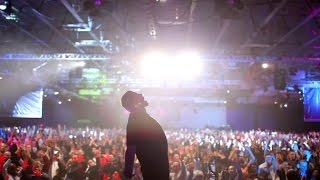 TONY ROBBINS: I AM NOT YOUR GURU with Dir. Joe Berlinger