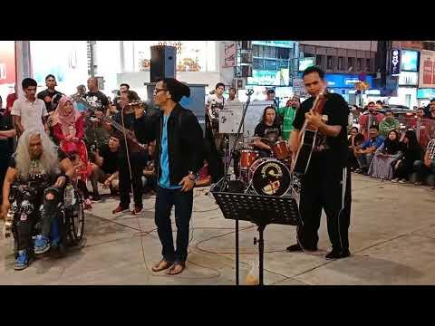 Orang Asli Minang... Nyanyi lagu minang...