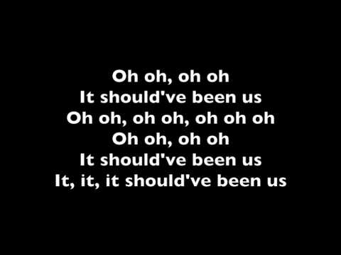 Tori Kelly - Should've been us Lyrics