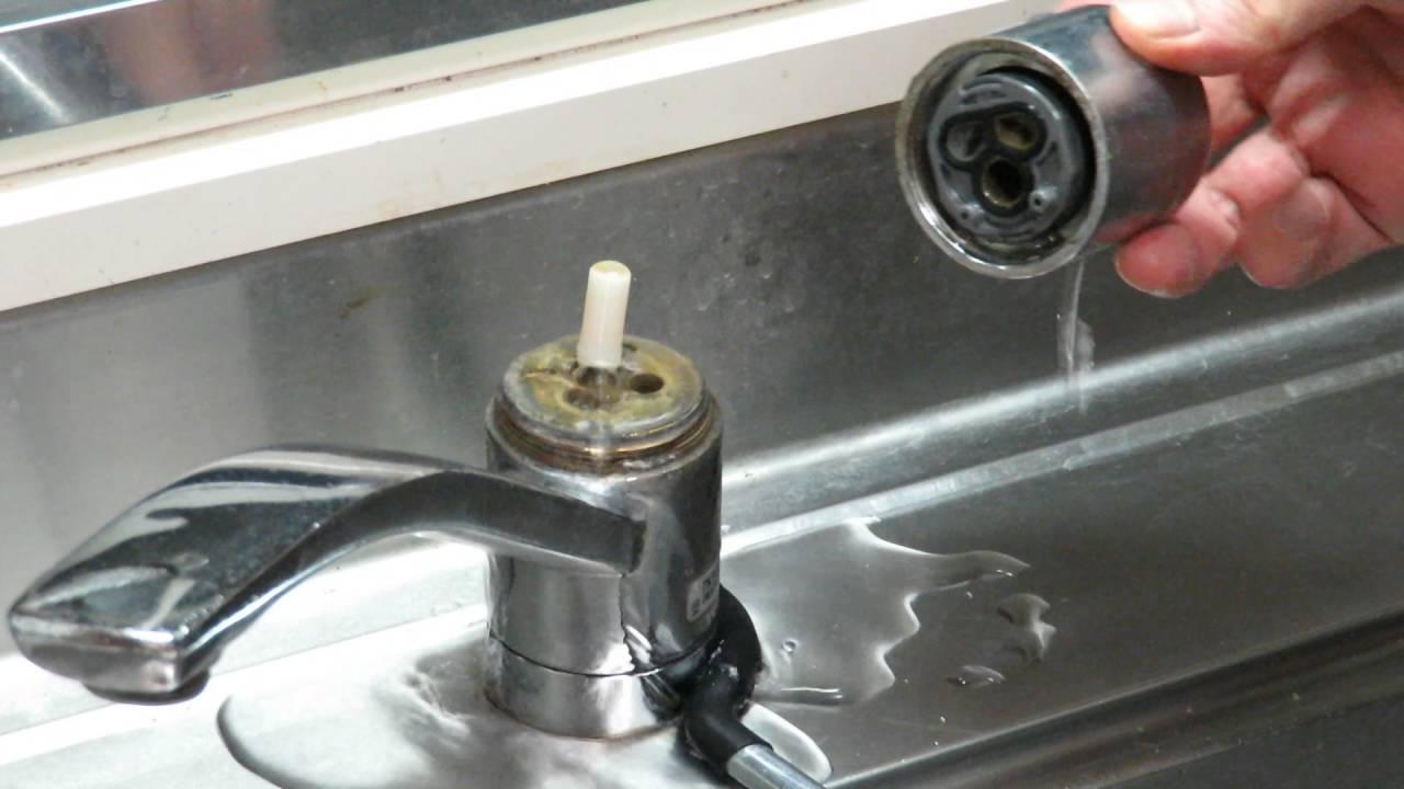 水 交換 キッチン 栓