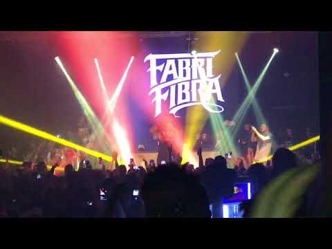 FABRI FIBRA LIVE : MAL DI STOMACO