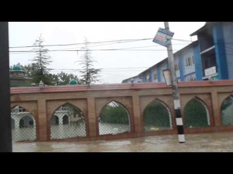 Kashmir Flood 2014 - Baghat Barzalla