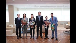 Президент встретился с победителями международных спортивных соревнований