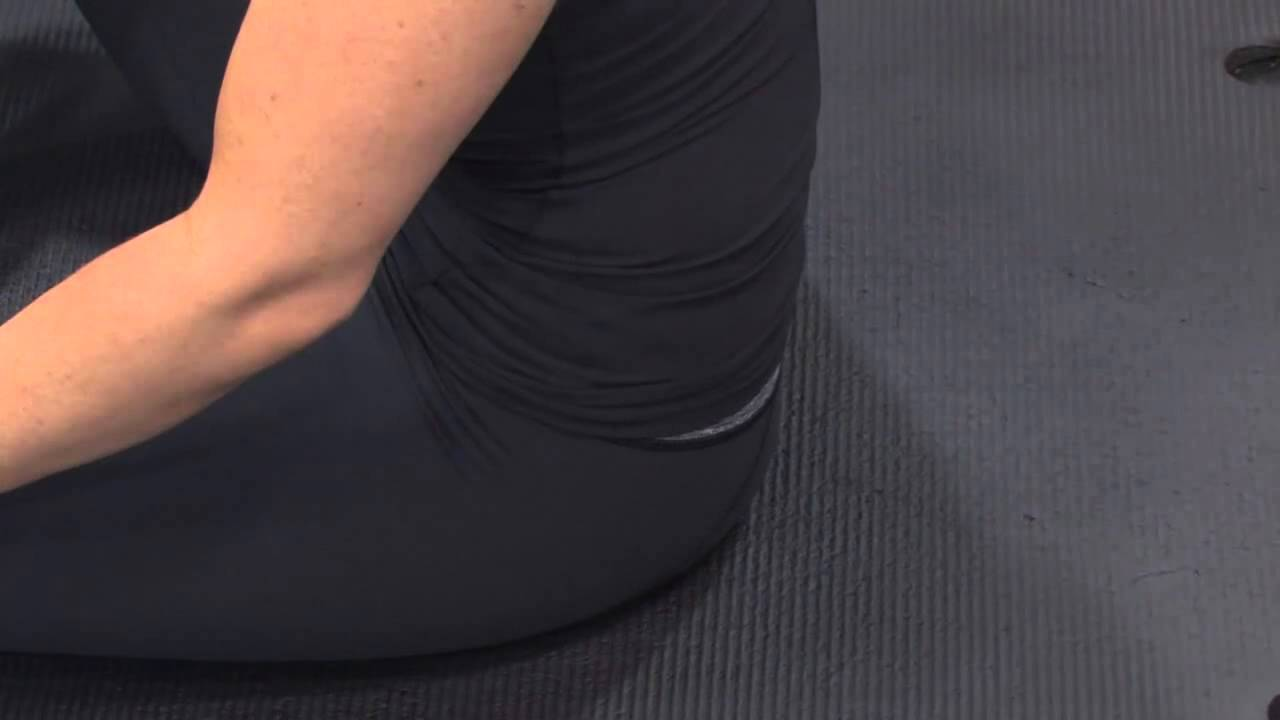 How To Stretch The Tendons Behind The Knees Youtube