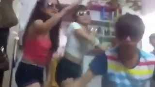 DJ Xinh - [ Lên nóc nhà là bắt con gà ]