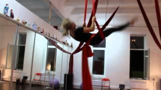 artarea project Воздушная гимнастика на полотнах Двойной кувырок