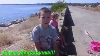 как быстрее  научиться кататься на роликах)) Дима