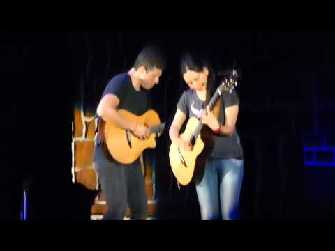 Rodrigo y Gabriela, Rodrigo solo Santo Domingo & New song 3 Hollywood Bowl 7 14 13 mp3