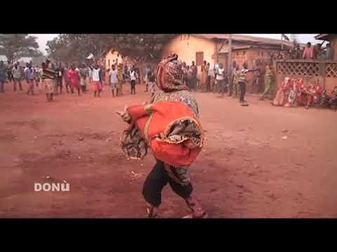 Download Dance egungun à Abomey / BENIN (DAHOMEY) terre du vodoun