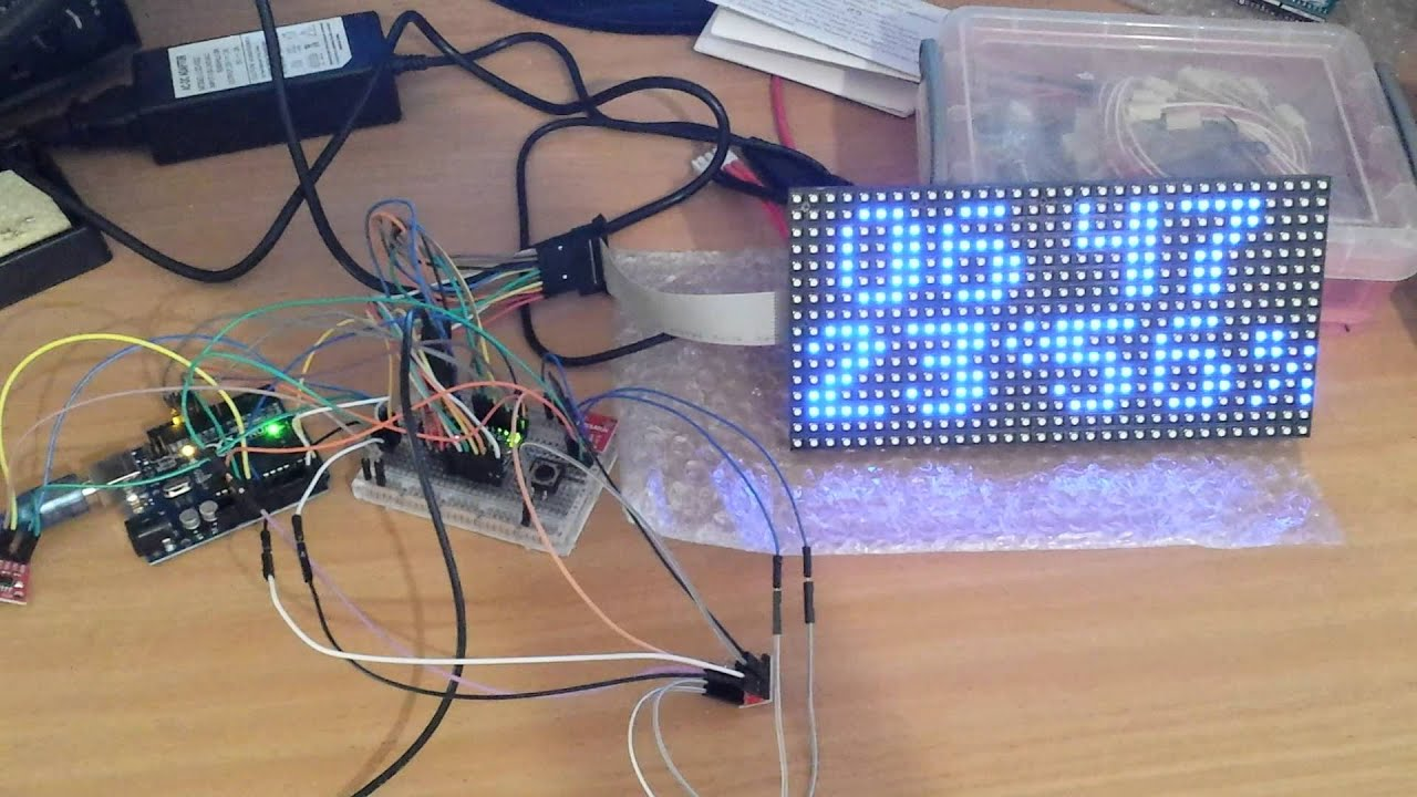 Arduino uno with rgb led matrix panel clock