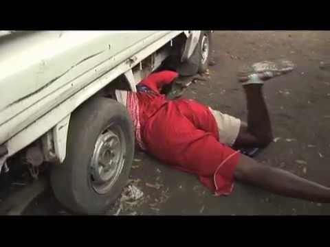 Mtoto wa kike kuwa fundi magari