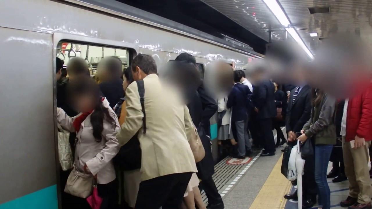 朝ラッシュ 千代田線北千住駅① すぐ電車が来る!!