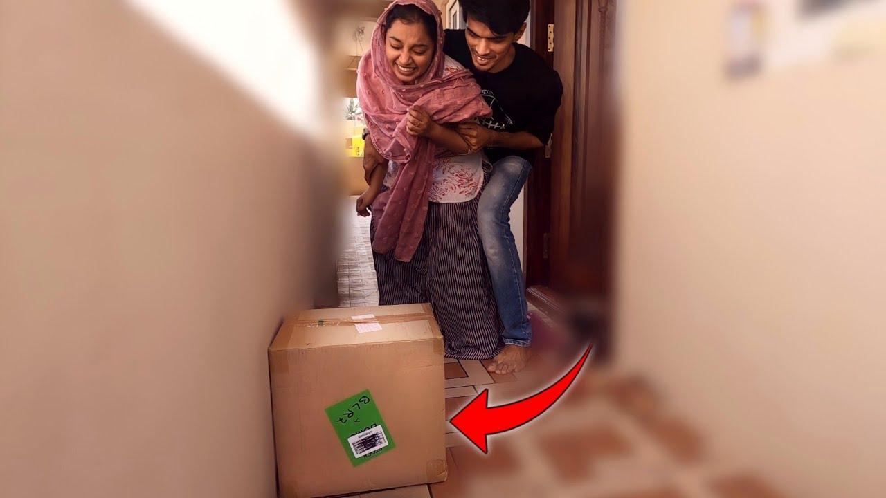 BOMB..💣 BOX PRANK ON PAMI..🤣🤣 SHE SCARED